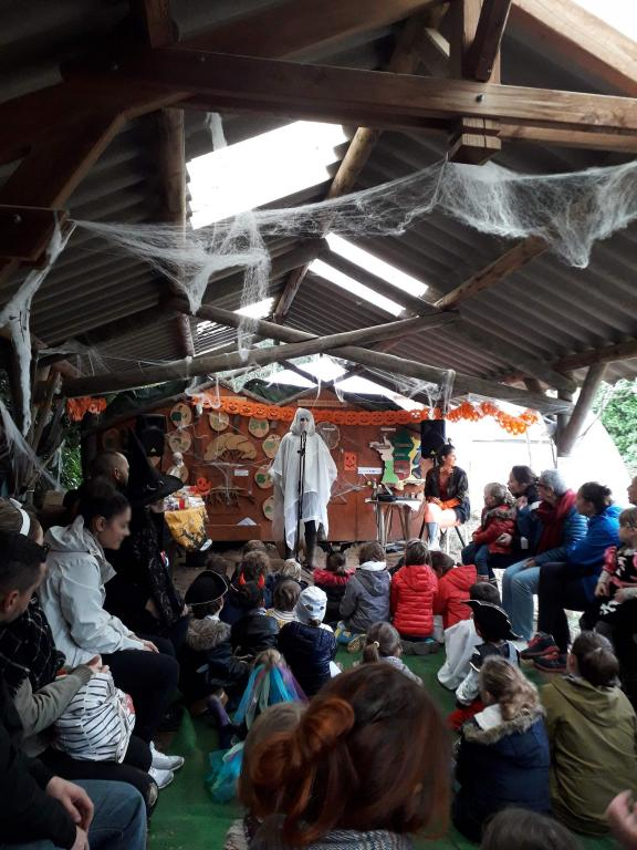 Spectacle dimanche Halloween 18